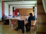 Dnešní zastupitelstvo rozhodne o domech v Březnické, sledujte ho s námi