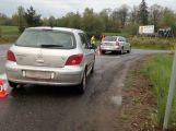 Nehoda dvou vozů komplikuje příjezd od Pičína