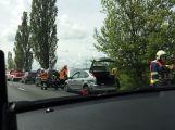 Dopravu u Chraštic komplikuje nehoda tří vozů