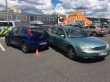 Na parkovišti u Stop Shopu se srazily 4 vozy