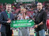 Dražba fotbalových dresů skončila, přinesla více než 54 tisíc