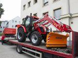 Technické služby mají nový traktor, pomůže na kompostárně i se zimní údržbou
