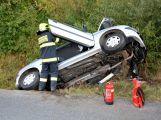 Auto u Rožmitálu skončilo v příkopu, řidič je lehce zraněn