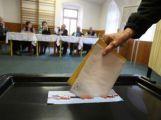 Krajské volby přilákaly v první den asi pětinu voličů