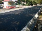 Ulice 28. října: Asfalt je téměř hotový, chodníky zatím ne