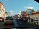 V centru Dobříše se srazily dva mercedesy