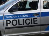 Zfetovaná řidička ujížděla policii, zastavil jí až zátaras