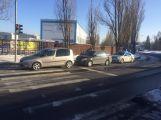 Nehoda komplikuje dopravu v Žežické ulici