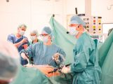 Operace na vlastní oči: V Příbrami operovali s 4K technologií