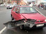 V Jiráskových sadech se srazila na semaforech dvě auta