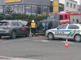 Na křižovatce Žižkovy a Evropské ulice se srazily dva vozy