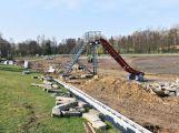 Revitalizace Nováku pokračuje opravou břehů