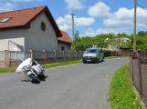 Motorkář se zranil při nehodě ve Vysoké