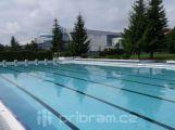 Venkovní bazén už je napuštěný a otevře se pro veřejnost v pátek
