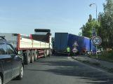 Evropská: Kolony, zmatkující řidiči, ucpaný kruhový objezd a kolaps dopravy