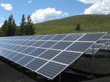 Během noci někdo na Strakonicku ukradl 300 solárních panelů