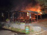 Druhý stupeň poplachu byl vyhlášen při nočním požáru restaurace na Příbramsku