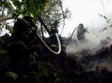OBRAZEM: Nedělní požár lesa pod raketovou základnou v Brdech