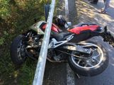 Aktuálně: U Třebska došlo ke střetu osobního vozu s motocyklem, po  300 metrech další nehoda