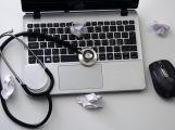 Lékaři vydávají od nového roku eRecepty