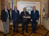 MUDr. Polák získal ocenění za odbornou publikaci roku
