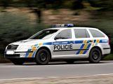 Zfetovaný a se zákazem řízení ujížděl před policisty