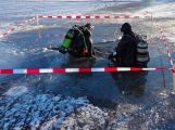 Policejní potápěči našli tělo utonulého bruslaře z Orlíku ve čtyřicetimetrové hloubce