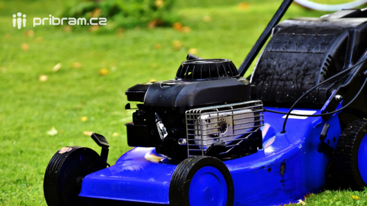 Technické služby začnou sekat trávu již toto pondělí, čeká na ně 85 hektarů
