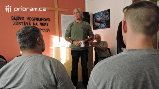 Bývalý král norského podsvětí navštívil příbramskou věznici