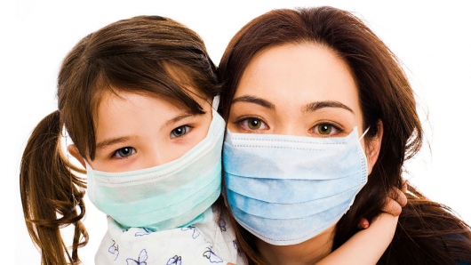 Lidé se začínají obávat chřipkové epidemie i koronaviru, v lékárnách nejsou roušky