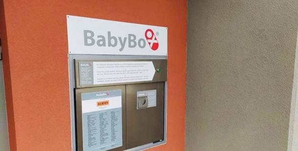 Babybox se přesunul na původní místo. Zachránil již čtyři děti