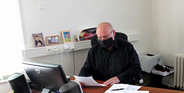Ředitel nemocnice:  COVID-19 má s ptačí a prasečí chřipkou jedno společné. Jde o virovou nákazu, která má svůj původ ve zvířecí říši