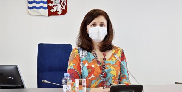 Hejtmanka žádá policii, aby opět posoudila oznámení v kauze roušek