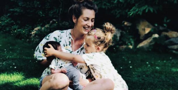 Porod v Příbrami byla vlastně náhoda, říká herečka Lenka Zahradnická