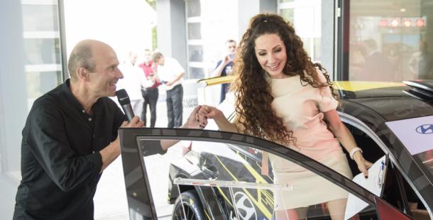 Olga Lounová a Dalibor Gondík slavnostně otevřeli nový autosalon Hyundai v Příbrami