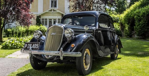 Vztah Karla Čapka a Olgy Scheinpflugové k automobilismu ukazuje nová část expozice v Čapkově památníku