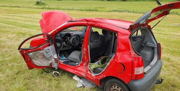 Vážná nehoda uzavřela Strakonickou. Pro zraněnou řidičku spěchal vrtulník